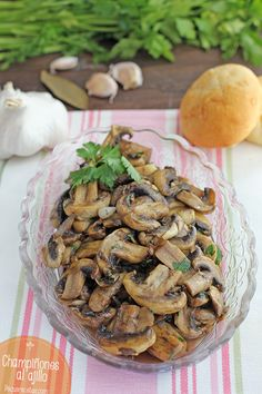 Mushrooms with garlic, Learn how to make mushrooms with garlic with this recipe step by step. The garlic mushrooms are delicious as an accompaniment or tapa. Egg Recipes, Appetizer Recipes, Real Food Recipes, Cooking Recipes, Healthy Recipes, Appetizers, Garlic Mushrooms, Stuffed Mushrooms, Mushroom Dish