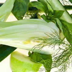 Fennel, basil, cucumber, green apple.  green juice - anti-bloat and alkalizing.