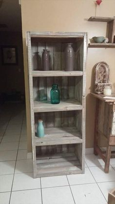 Rustic Pallet #Bookshelf - 20 Excellent Pallet Furniture Projects | 101 Pallets…