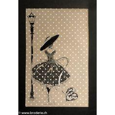 Soizic, grille Femme de Paris 2 (art. SOI45). Modèles de points de croix comptés et autres points de 95 sur 165 points, brodé sur la photo sur du lin Zweigart Belfast.
