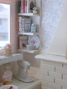 ~ Gourmet Cottage Kitchen ~ many wonderful, detailed photos of this miniature kitchen