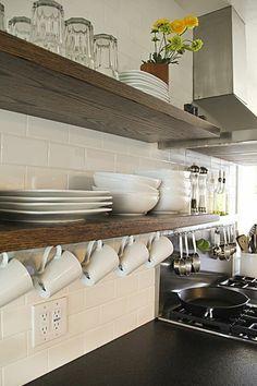 Brilliant Ideas Minimalist Kitchen Shelves That Will Make Your Kitchen Stunning Diy Kitchen Storage, Kitchen Shelves, Home Decor Kitchen, Kitchen Organization, Kitchen Cabinets, Storage Organization, Kitchen Ideas, Organized Kitchen, Kitchen Walls