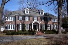 The original Home Alone House just sold for over $1.5M. This was my dream home as a kid.