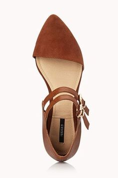 13 Pointed Flats That'll Sharpen Your Shoe Game #refinery29  http://www.refinery29.com/pointed-toe-shoes#slide-10