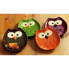 TAG Owl Shaped Appetizer Plates-Set of 4 love these! Owl Snacks, Owl Kitchen Decor, Kitchen Dining, Clay Projects, Projects To Try, Couleur Or Rose, Appetizer Plates, Party Appetizers, Cute Owl