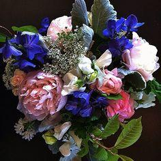 Cara's Bouquet // Another from The Flower Maven of @petalandbean for @breckweddings this past weekend. // #breckbecause  petalandbean.com