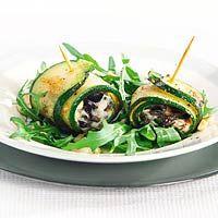 Recept - Courgetterolletjes met pesto en mozzarella - Allerhande