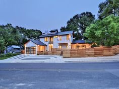 Situated on a corner lot in Bouldin Creek this home is minutes from downtown, Lady Bird Lake, endless restaurants, shopping and everything else Austin has to offer.  Bed | 3 Bath | 4 | Partial 1 Est. Sq .Ft. | 3,234  Details here: http://ow.ly/ZC28K