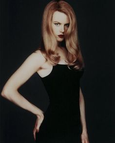Nicole Kidman > Anne Hathaway, any day. (Batman Forever, 1995)