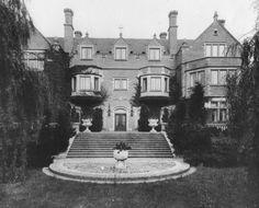 @HistoricIndianapolis | Friday Favorites: Laurel Hall, Hidden Treasures #Indianapolis