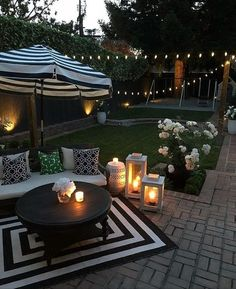 Patio Ideas - Summer season has actually lastly shown up. Below are patio ideas to help you maintain your outdoor entertaining area fresh all season long. Backyard ideas for entertaining Patio Ideas to Beautify Your Home On a Budget Small Backyard Design, Small Backyard Patio, Backyard Patio Designs, Back Patio, Diy Patio, Landscaping Design, Desert Backyard, Romantic Backyard, Backyard Pools