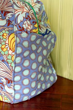 Duffle Bag Sewing Pattern. I really need to follow through with learning how to sew.