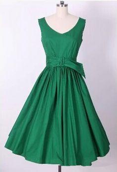 Green V-neck Belted Vintage Dress