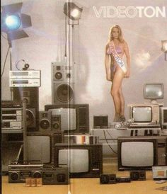 Vintage Advertisements, Vintage Ads, Big Speakers, Tv Ads, Boombox, Illustrations And Posters, Audiophile, Beautiful Celebrities, Old School