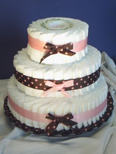 Diaper cake - I like that you don't have to roll all the diapers!