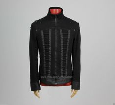 A sleek modern design that combines daily wearability with uncompromising attitude and distinctive look. Black denim zipper jacket with studs. What we like about this black denim zipper jacket. Gothic Jackets, Cheap Mens Fashion, Pleated Shirt, Men In Kilts, Steampunk Fashion, Gothic Fashion, Leather Blazer, Denim Fabric, Jacket Style
