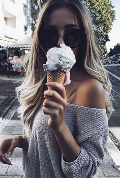 foto com doce | sorvete