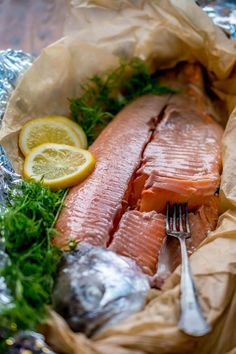 Haudutettu uunilohi   Maku Fish Recipes, Seafood Recipes, Paleo Recipes, Cooking Recipes, A Food, Good Food, Food And Drink, Fish Food, Linguine