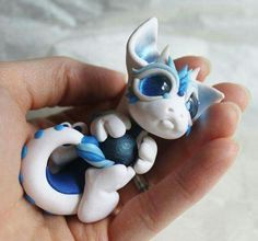 Polymer Clay Dragon, Polymer Clay Animals, Cute Polymer Clay, Cute Clay, Fimo Clay, Polymer Clay Projects, Polymer Clay Creations, Biscuit, Baby Dragon