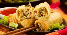 awesome Skinny Baked Vegetarian Egg Rolls with Peanut Sauce Egg Roll Recipes, Top Recipes, Asian Recipes, Cooking Recipes, Healthy Recipes, Asian Foods, Chinese Recipes, Healthy Meals, Recipies