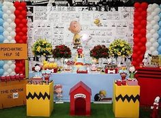 Festa fofa com tema Snoopy! Adoro painel de quadrinhos, fica super bacana e divertido! Por @mitesta  #kikidsparty Snoopy Birthday, Snoopy Party, Baby Snoopy, Great Pumpkin Charlie Brown, Peanuts Snoopy, Candyland, 1st Birthday Parties, Party Time, Baby Shower