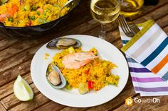 """The """"Must Eat"""" of #Barcelona: Paella  Originally from Valencia, #Paella is mix of spices, rice & seafood!  Have you ever tried it? https://www.facebook.com/OhBarcelona?ref=hl #GowithOh"""