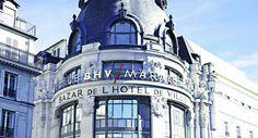 Le grand magasin BHV du Marais propose des sacs à main griffés de seconde main
