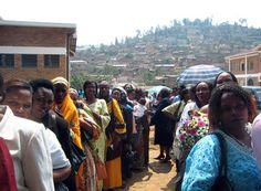 El primer parlamento del mundo con mayoría fémina es de Rwanda.- El Muni
