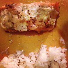 Papillote de Saumon au miel curry et gingembre, Recette sur demande des papillotes de saumon au miel curry et gingembre #cuisine #food #poisson #saumon #miel #curry #gingembre #riz #épicé #français #platprincipal #salé #epicé par MéméMoniq - Food Reporter