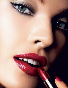 This look from F/W 2005 fits in beautifully with trends for F/W 2012. Makeup by Charlotte Tilbury.