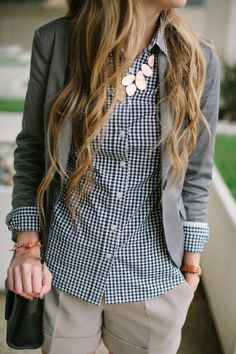 Nice outfit: I really like the necklace, the blazer and the blouse.  Blouse | Necklace | Outfit | Blazer