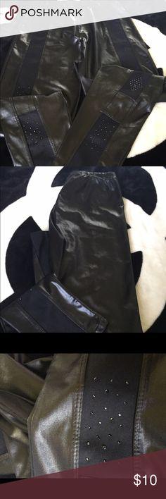 Black leggings Black leggings Pants Leggings