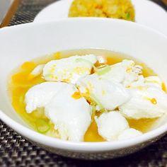 雲呑スープにメレンゲを乗せてみました!食感は、はんぺんにかなり近い!ふわふわして意外と美味しいよ(●´ー`●) - 26件のもぐもぐ - ふわふわメレンゲ乗せ雲呑スープ by yuichiiii