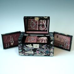 Mother of Pearl Lock Jewelry Box with Lacquered Bird and Insect