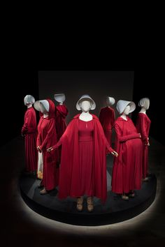 The Handmaid's Tale Costumes Are Finally Getting Some Museum Cred The Handmaid's Tale Book, Handmaid's Tale Tv, Handmaids Tale Costume, A Handmaids Tale, Handmade Tale, Movie Color Palette, Pregnancy Costumes, Movies And Series, Cinema