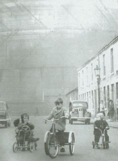 Possibly Carter Street, Middlesborough judging from the gasometer looming over the houses. The date given was 1964 but this looks earlier.