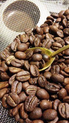 fresh roast Costa Rica coffee made with Zenroast Costa Rica Coffee, Almond, Roast, Beans, Fresh, Vegetables, Food, Essen, Almond Joy