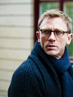 Daniel Craig--is this from The Girl With The Dragon Tattoo  Daniel Craig 67a20d091979