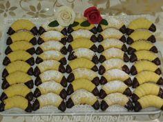Rozi Erdélyi konyhája: Kókuszos kifli Sushi, Cookies, Ethnic Recipes, Food, Crack Crackers, Biscuits, Essen, Meals, Cookie Recipes