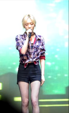 She sang One Afternoon at Tecent Kpop live 150831