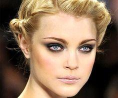 Get the Look: Smokey Eyes + Pale Lip