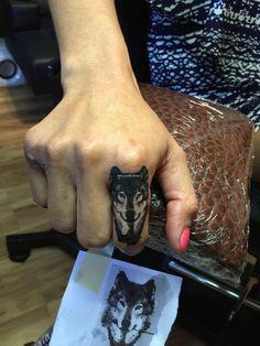 Fox finger tattoo. Tattoo by Arlie Johnson. Follow on IG @ bobarlie