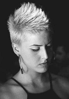 25 Hervorragende Kurzhaarschnitte für Frauen – Short Hair Cuts For Women - Water Short Sassy Hair, Super Short Hair, Short Hair Cuts For Women, Latest Short Hairstyles, Short Pixie Haircuts, Funky Hairstyles, Hair Today, New Hair, Curly Hair Styles