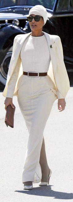 Her Highness Sheikha Moza bint Nasser of Qatar is one of the most stylish women in the world. Sheikha Moza outfit./ Ее величество Шейха Моза, жена шейха Катара является одной из самых стильных женщин мира. Find more https://www.facebook.com/wedding.tradition/?ref=bookmarks