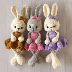 Crochet bunnies amigurumi Crochet Rabbit Free Pattern, Easter Crochet Patterns, Crochet Amigurumi Free Patterns, Crochet Bear, Crochet Doll Pattern, Cute Crochet, Crochet Animal Amigurumi, Amigurumi Toys, Crochet Animals