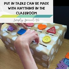 Love this Thanks for linking up! with ・・・ Threw together a quick new fine motor/ sorting task box for with ! It's amazing what you can make with stuff already around the classroom ! Sorting Activities, Classroom Activities, Learning Activities, Preschool Activities, Visual Motor Activities, Tactile Activities, Fine Motor Activities For Kids, Visually Impaired Activities, Autism Classroom