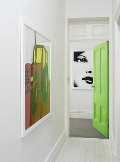 Add some large scale art and an element of surprise (like a bright green door!) to an all white space. I love the GREEN DOOR Purple Interior, Interior Paint Colors, Modern Interior, Interior And Exterior, Interior Architecture, Interior Design, Interior Doors, Interior Painting, Modern Victorian Homes