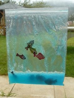 """Aquarium tactile On the theme """"April and its fish"""", I proposed to the toddlers a sensory a Montessori Activities, Infant Activities, Summer Activities, Ocean Crafts, Fish Crafts, Baby Sensory, Sensory Play, Diy For Kids, Crafts For Kids"""