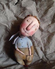 "МК ""Грунтованный текстиль"" - Ярмарка Мастеров - ручная работа, handmade Handmade Toys, Handmade Crafts, Guys And Dolls, Textile Fiber Art, Toy Art, Fabric Dolls, Doll Face, Miniature Dolls, Crochet Toys"