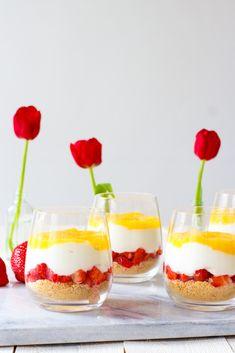 Lemon curd kwarktoetje - Zoetrecepten Cottage Cheese Desserts, Proper Tasty, Healthy Cheesecake, Lemon Curd, Desert Recipes, High Tea, Easy Desserts, Food Inspiration, Baking Recipes